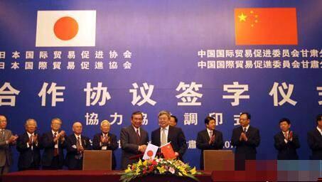 中国哪年经济总量居世界第二_中国世界第二大经济体