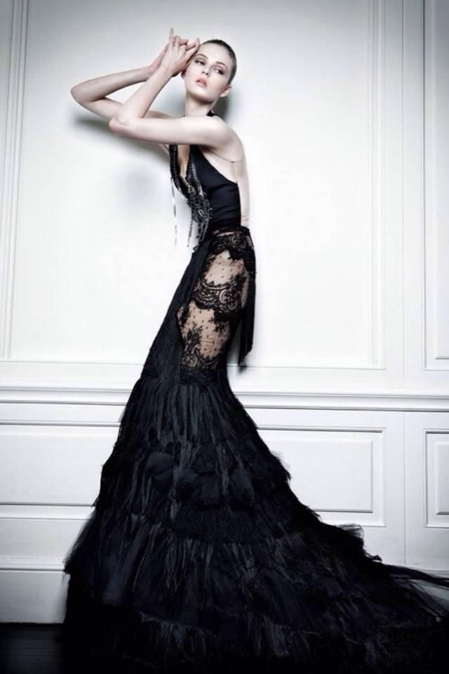戚薇黑婚纱成时尚,盘点那些美呆的黑色婚纱