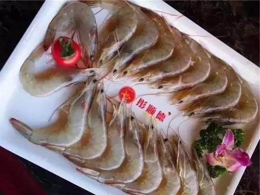 这家海鲜火锅要疯!鲍鱼2.8螃蟹8.8,桌桌免费送太子蟹+大龙虾!