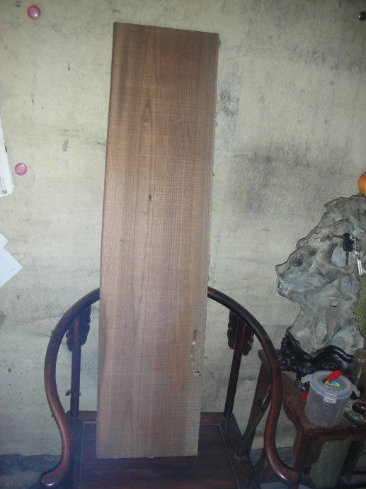 扣击有清脆回音者为上,如是旧材用木锉磨之则成毛絮状,在北方斫琴木材图片