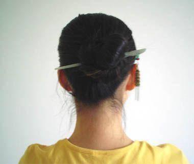 2款适合50岁女人的簪子发型盘发教程