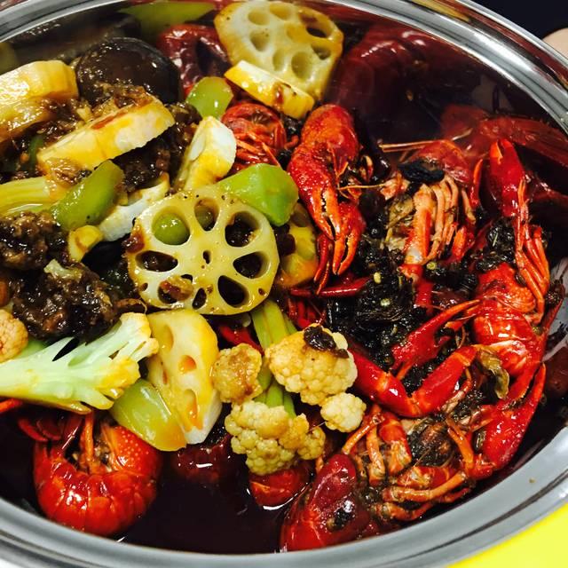 良记麻辣小龙虾火锅:足不出户就可以吃到