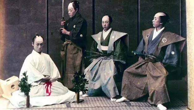 日本武士切腹真相!真有那么多不怕疼不怕死的吗?