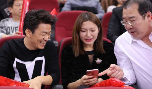 王宝强已摆脱离婚阴影,与85后美女总裁疑似新欢!