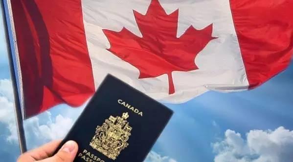 我的加拿大团聚移民目前已经收到了北京大使馆寄来的护照+CONFIRMATION OF PERMANENT RESIDENCE.