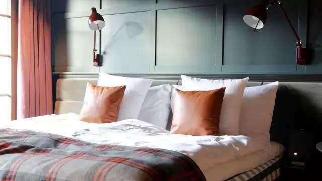 这个屡屡当家的酒店设计师,把酒店获奖三室一厅装修设计图6图片