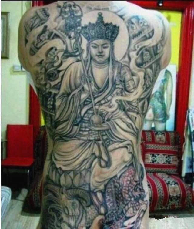 是因为唐僧纹身也是非常不吉利的,唐僧取西经经过了九九八十一难,每一