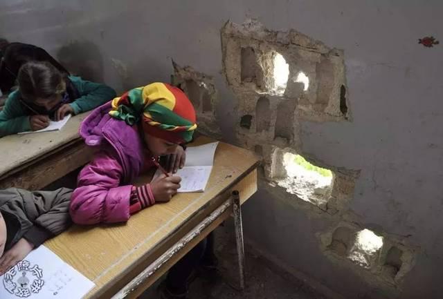 战争中的儿童:饱受饥馑,战乱,疾病之苦