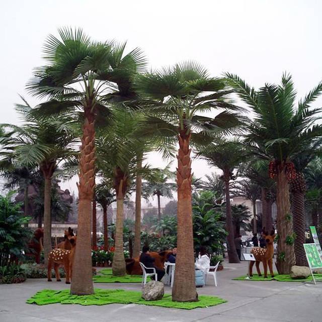 仿真棕榈树出镜率更高的仿真树仿真效果