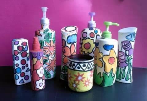 幼儿园手工作品绚丽多彩的瓶子画,太美了!