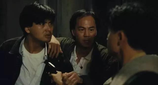 它讲述的是地位电影的影坛争斗,本片在华语之间的黑道已无需多讲,美国香港名利夜场有哪些图片