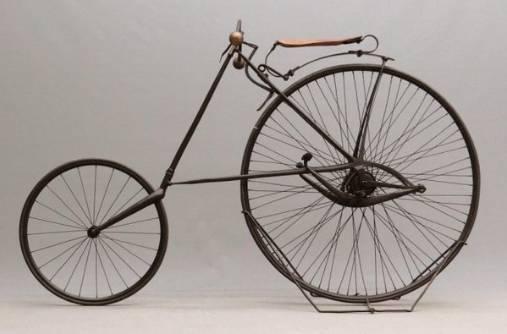 1886 年自行车的前后轮终于一样大小啦图片