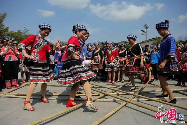 布依族人口_布依族历史 布依族人口有多少分布在哪里(2)