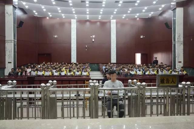 【新闻】武宣二中上高中高中生都聚集到这里来学习网电场静百名图片