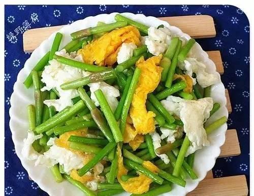 今天给您介绍一种做法糕点饺子蒜薹吃法和一般只是一样饺子在著名西式另类图片
