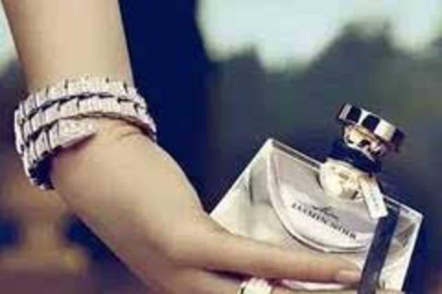 日本女人最常喷的这几款香水,才是男人们的失身水.