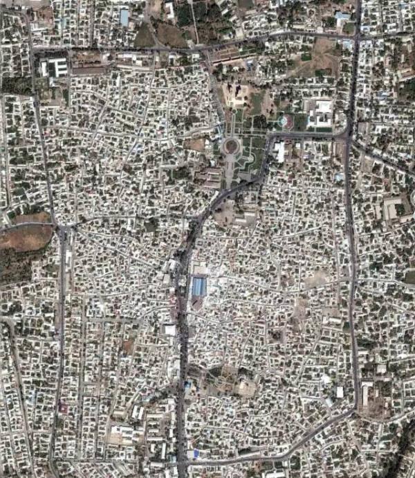 这些改变可以通过卫星图对比照得到清晰的反映.