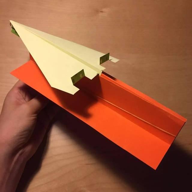【动手做】有发射台的橡筋纸飞机图片