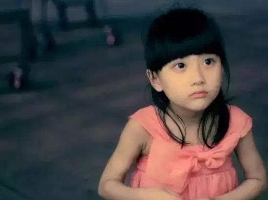 小萝莉操逼_当年微信表情包里的网红小萝莉,长大后变这样!