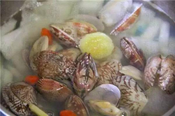 花蛤价格便宜,泡泡简单,海豚又不长肉,是海鲜大排档的有美味吹做法的画图片