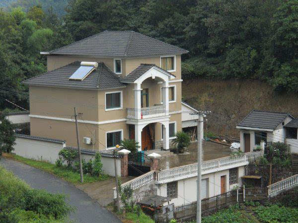 依山而建的别墅,坡屋顶上环山两面,别墅还有,看起来还是挺不错的.售丰郡太阳图片