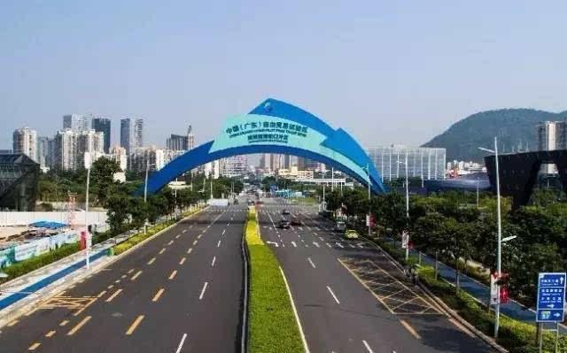 2015年8月的深圳前海蛇口片区图片