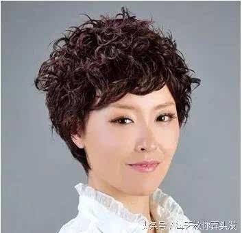 12款50岁女人染发颜色设计,中老年显年轻染发色彩!