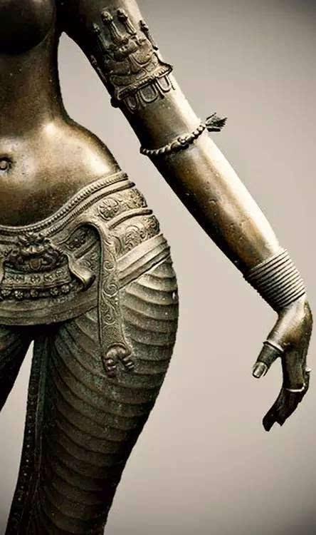 欧美性爱金发天国_性爱之都的古内衣寻踪 | 印度