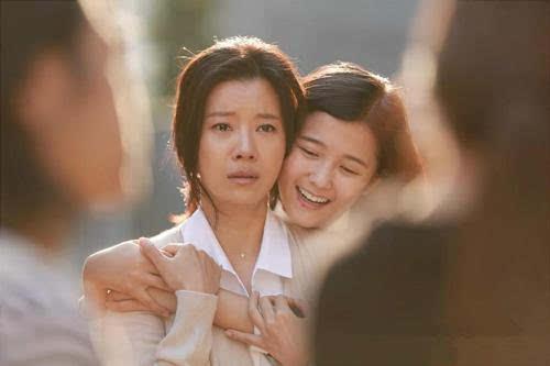 以韩国电影《别哭电影》为例谈谈色情校园韩国暴力r妈妈在线观看图片
