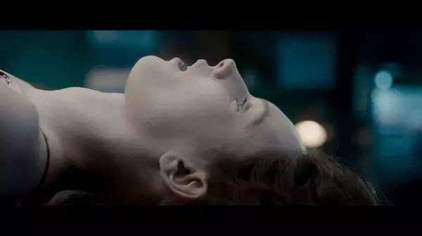 和《招魂》有一拼,被这部美女艳尸吓得肾疼
