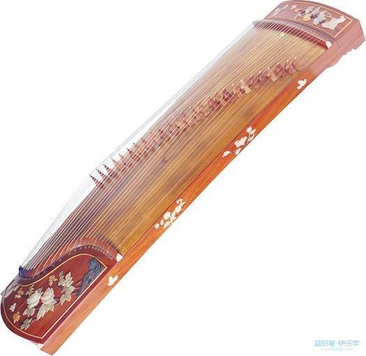 常见乐器二:琵琶 古风美人弹奏琵琶时,将其竖抱,左手按弦,右手五指弹