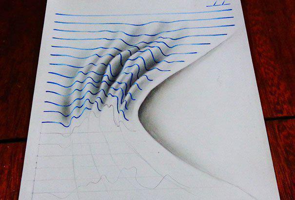 15岁男孩上课不专心低头画画 看他笔记本甘拜下风图片