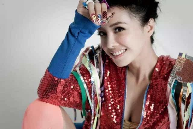狠狠愈�_赏吧丨蔡依林从舞痴到舞神,她狠狠打了很多人的脸