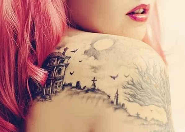 锁骨与蝴蝶骨的纹身比拼,哪个更性感