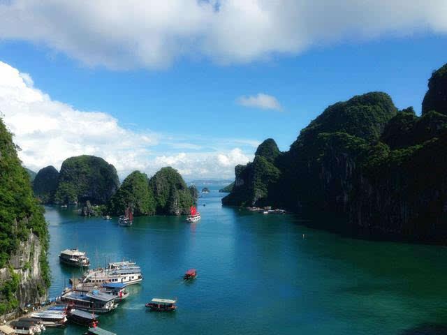 金刚骷髅岛取景地,酷似桂林山水,被称为海上桂林图片