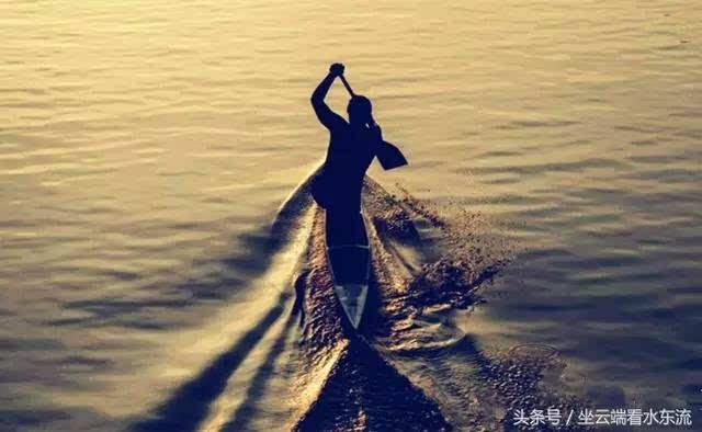 时间顺流而下,生活逆水行舟图片