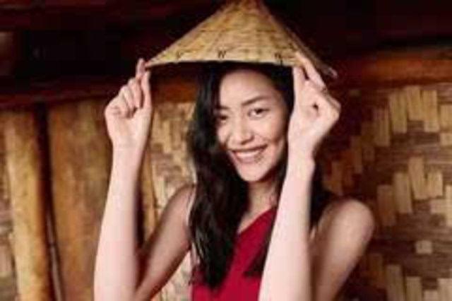 17岁北漂,4年赚1.5个亿,小土妞逆袭国际超模,却依然率真可爱
