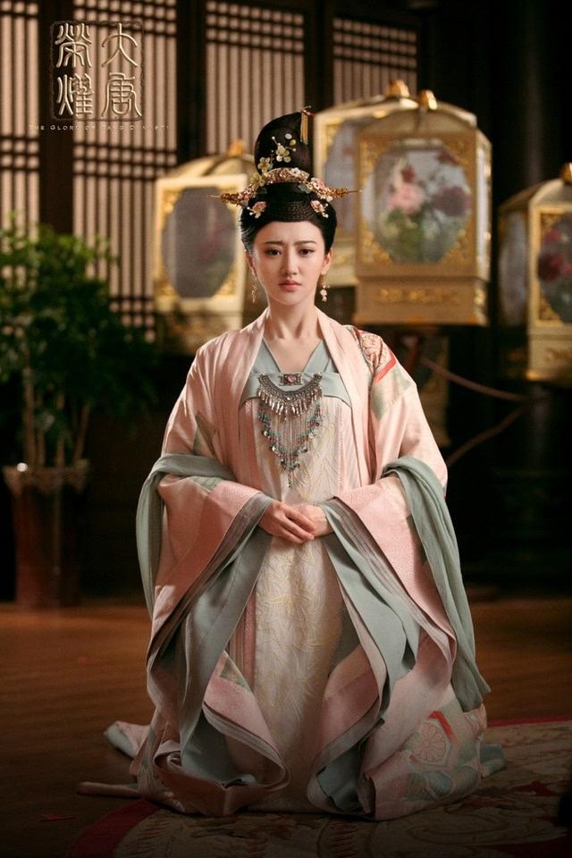 古装美女服装的诱惑-看看那些唐朝服装