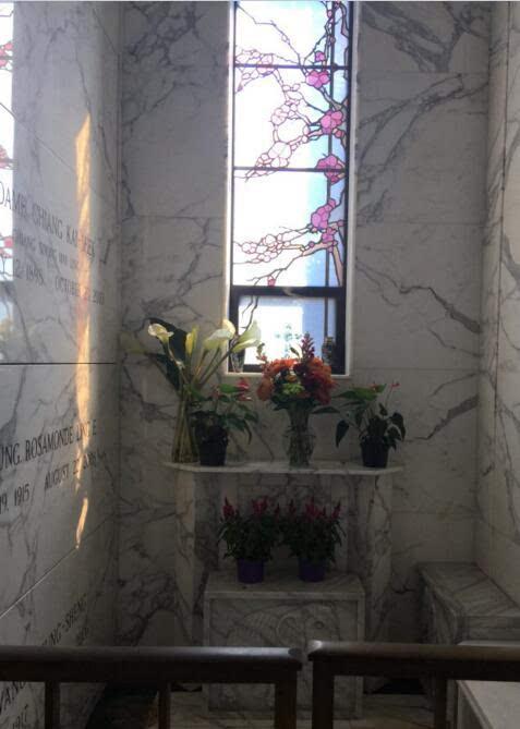 镜头下直击:芬克里夫墓园的宋美龄墓,室内安葬,鲜花常
