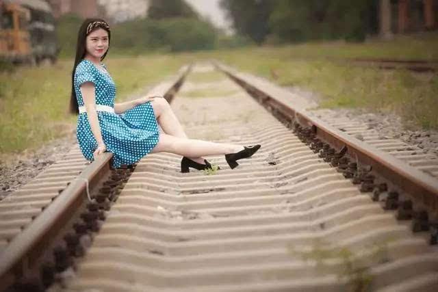 洛阳摄影 铁轨,少女