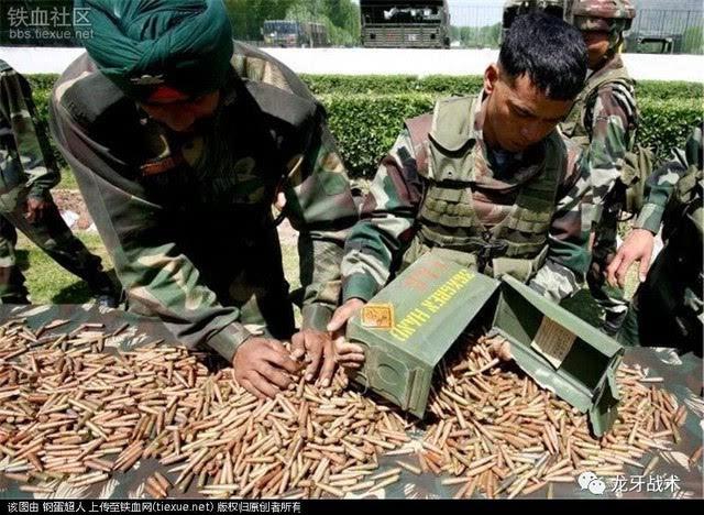 印度把枪造出来后,发现无力生产与之相匹配的弹药,只好向以色列购买5.