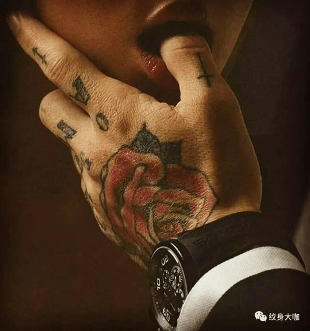 不敢毁伤,孝之始也」 纹身是对父母大不孝,大不敬的行为, 主流的传统