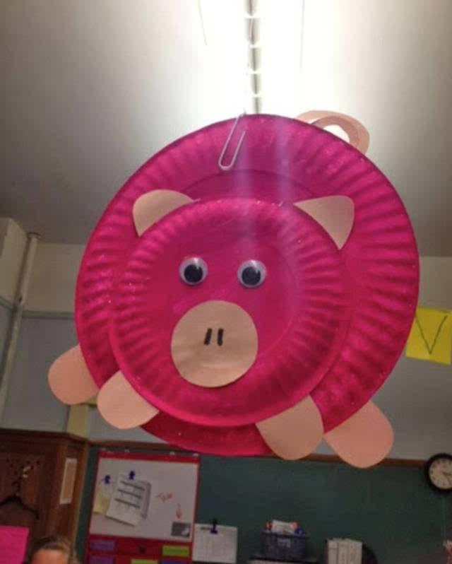 蛋糕纸盘也是制作小猪和孩子涂鸦的好工具.图片