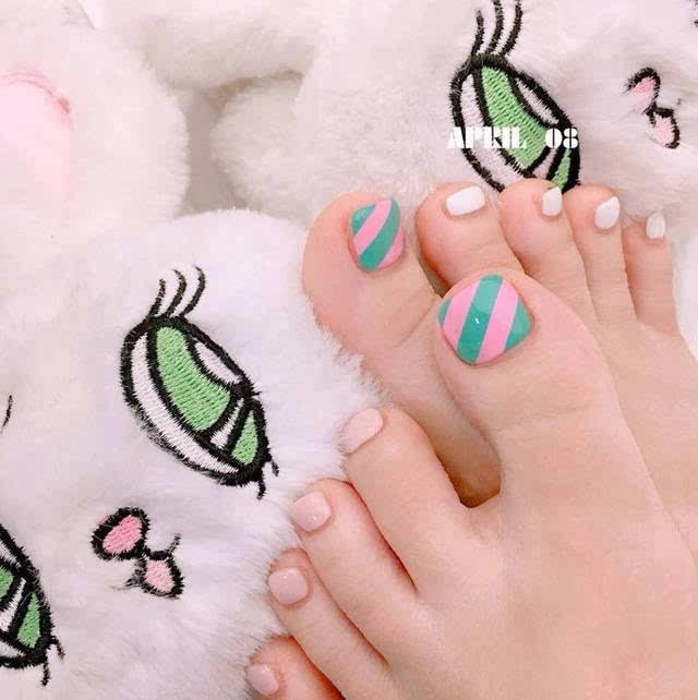 ins上受欢迎的脚趾美甲图集!夏季穿凉鞋必备!图片