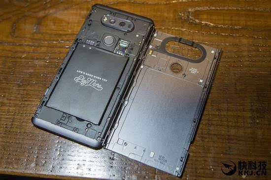 LG真旗舰LG V30将会采用无线充电