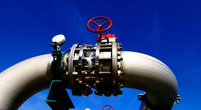 水平管道上的阀门,阀杆朝上安装,或倾斜一定角度安装,不可手轮向下图片