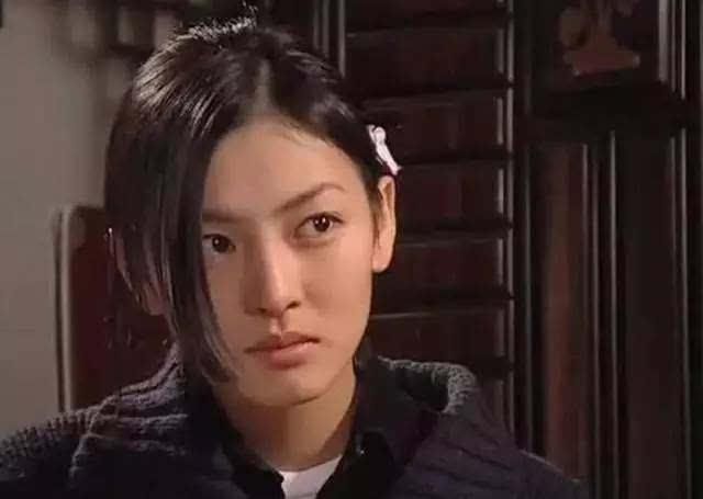 爱上女主播蔡琳�yg�_说到蔡琳就必须说到金素妍,她是《爱上女主播》里的女二号,是当年最