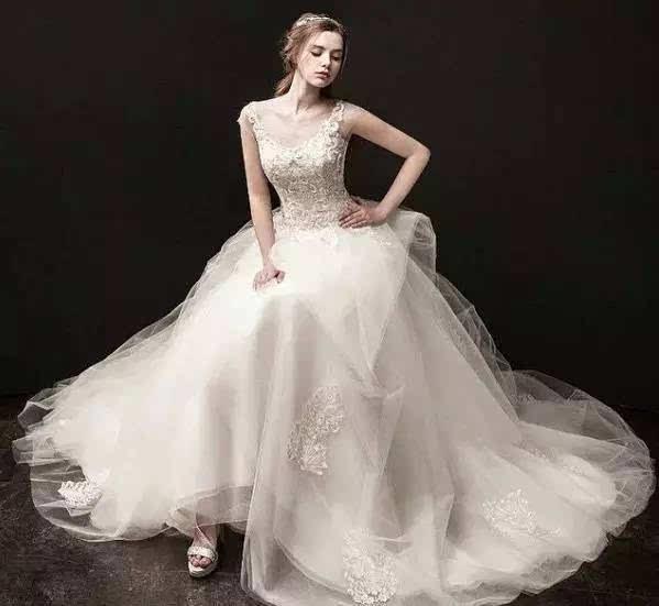 婚纱需要挂起来吗_我需要穿小背心吗图片