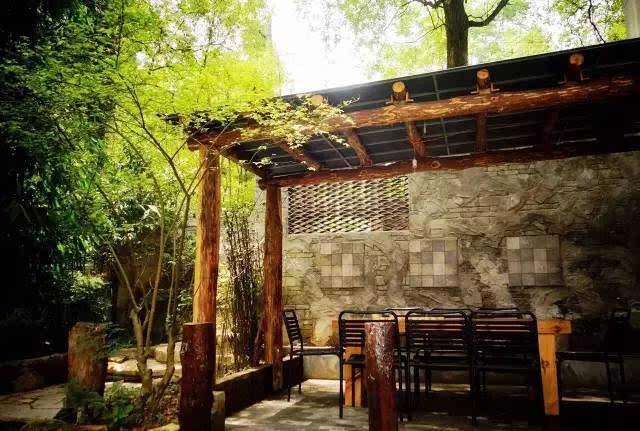 山间老骚逼_山城重庆竟然私藏着这么多的特色民宿
