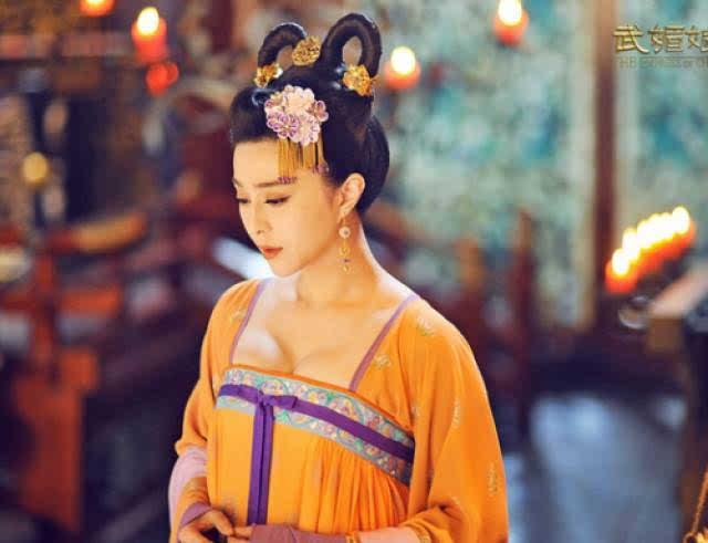 金子美惠写真露b_我们都知道唐朝以胖为美,民风开化,穿衣风格本来就奔放,到了夏天这个